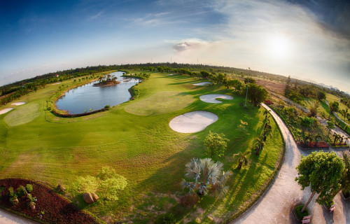 Cua Lo Golf Resort (18 holes)
