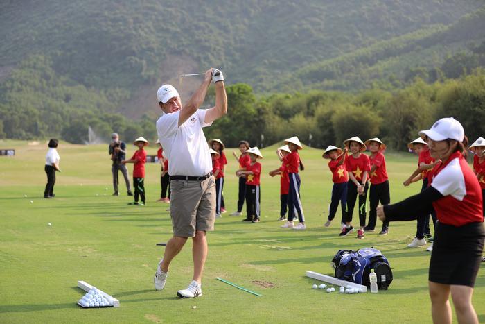Sir Nick Faldo và tình yêu với Laguna Golf Lăng Cô