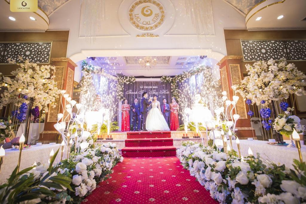 """Ảnh 1: Dream Wedding Hall được ví như """"cung điện"""" tiệc cưới lung linh giữa thành phố cửa khẩu sôi động"""